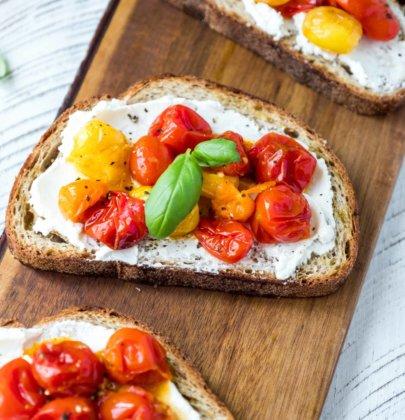 Roasted Tomato & Goat Cheese Toasts