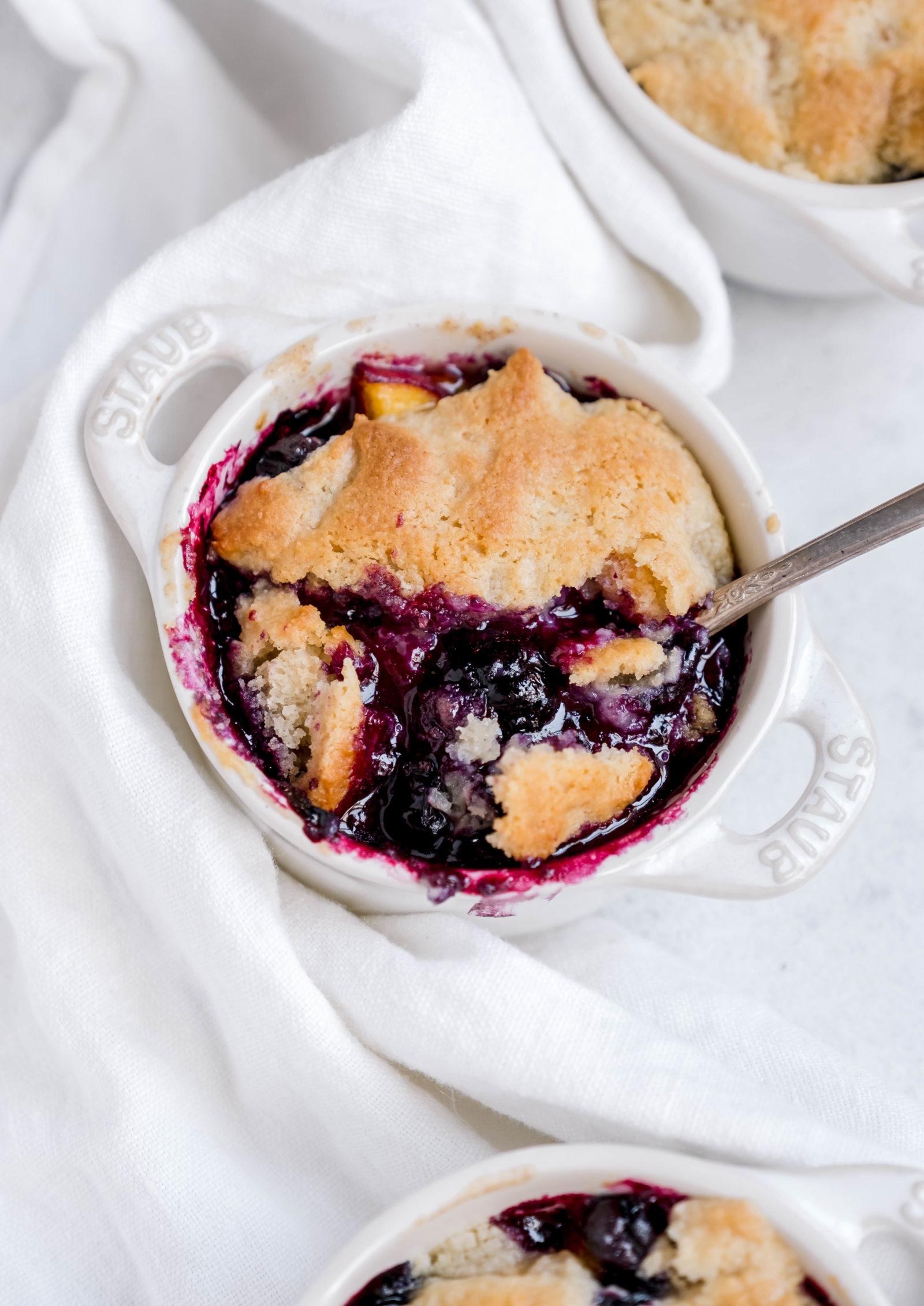 vegan blueberry beach cobbler